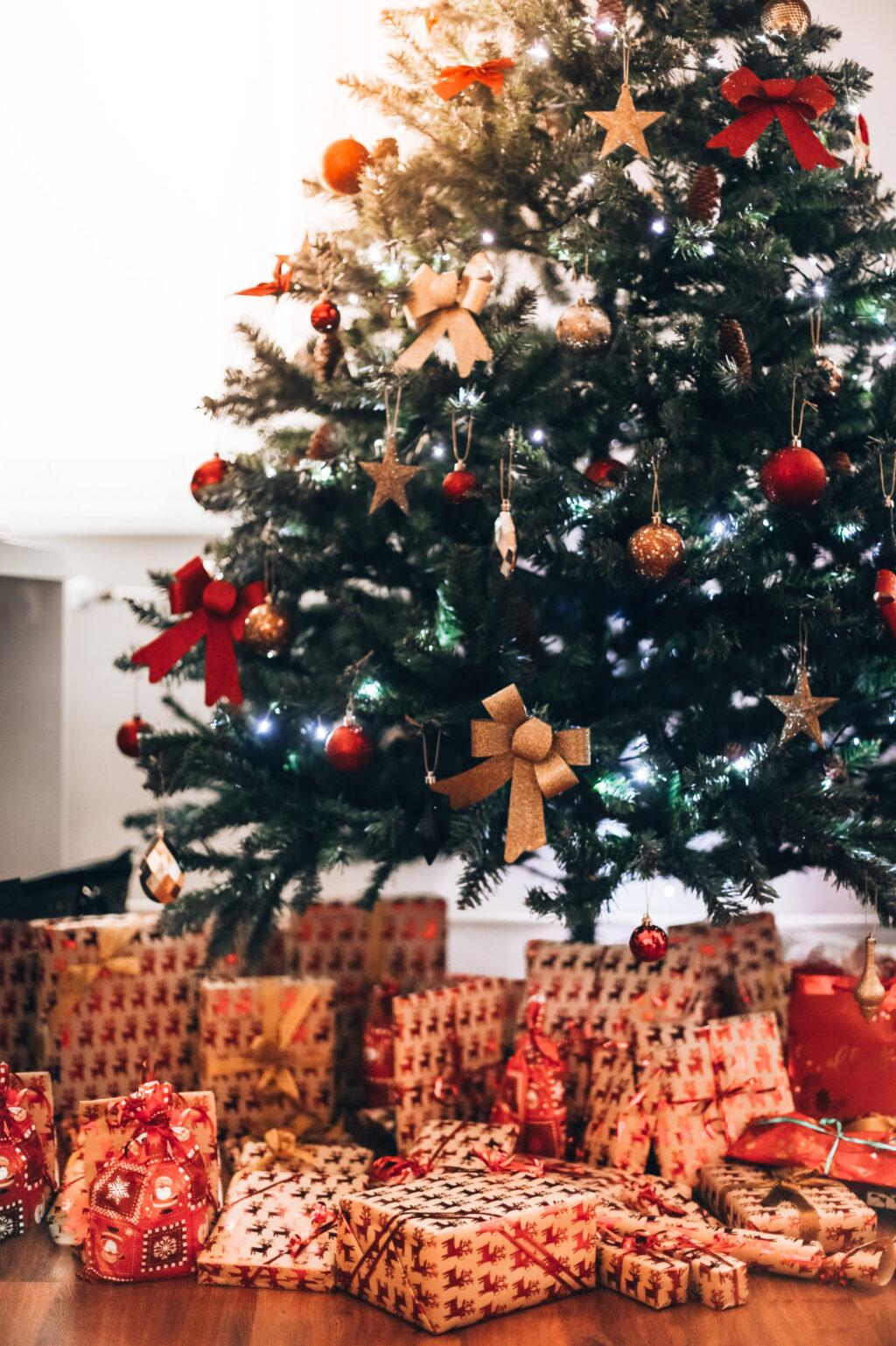 クリスマスイベントにオススメ!読み聞かせで人気のサンタさんやプレゼントが満載に出てくるクリスマス絵本オススメ4選