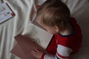 2歳児への読み聞かせのコツ 絵本 読み聞かせ 2歳 乳幼児