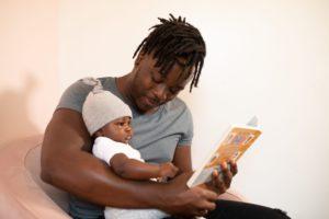 絵本の読み聞かせの相手が1歳未満のとき 読み聞かせの姿勢